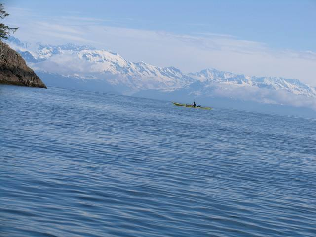 kayakiste dans le golfe de Prince William Sound. Alaska