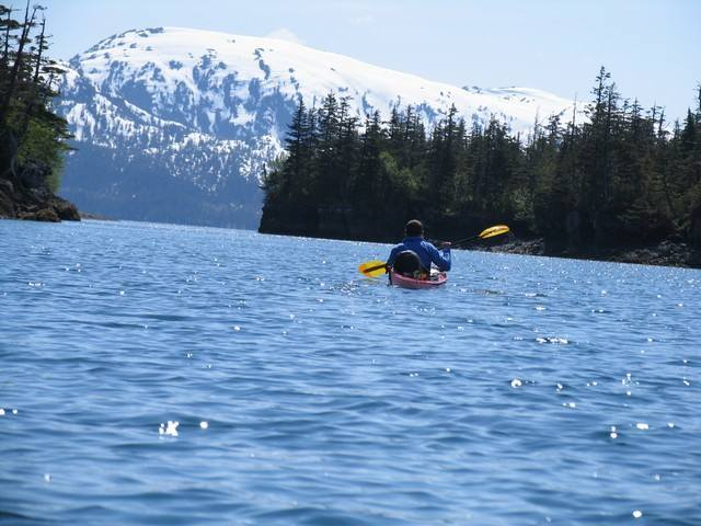 kayak dans le golfe de Prince William Sound.